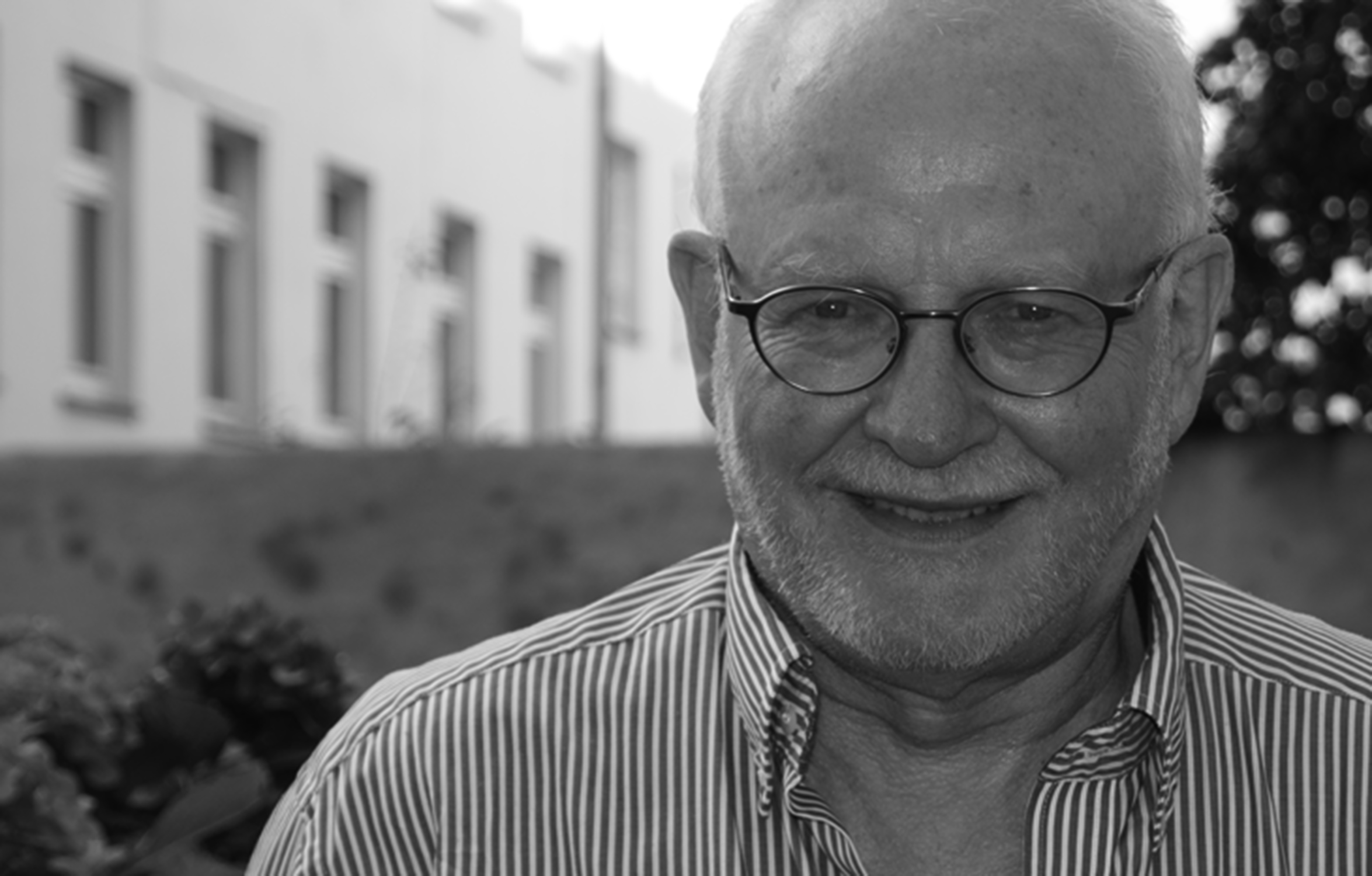 Prof. Dr.  Asmus Finzen