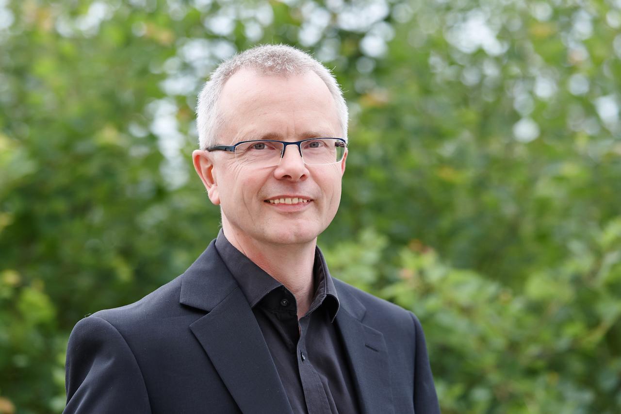 Prof. Dr. Henning Daßler